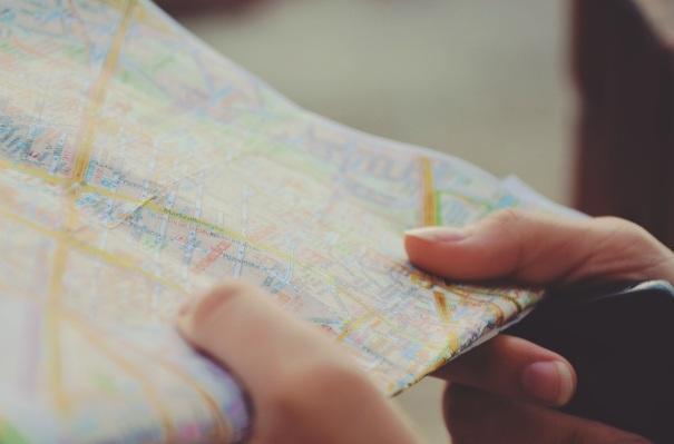pexels-hands-way-guide-tourist